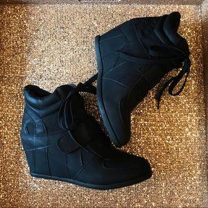 Top Moda wedge shoe